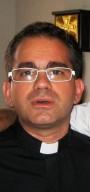 don Dario Trave, successore di don Giuseppe alla guida della biblioteca