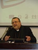 Anche l'arcivescovo Valentinetti, interverrà all'evento conclusivo del progetto Aids