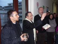 Mons. Tommaso Valentinetti benedice la targa con Padre Roberto Di Paolo