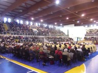 Migliaia i fedeli presenti alla messa crismale al Palasport Giovanni Paolo II