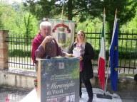 Giuseppe Tini con il sindaco di Vicoli Catia Campobasso