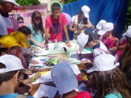 Alcuni ragazzi protagonisti di un laboratorio creativo alla Festa degli oratori