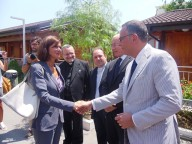 Laura Boldrini saluta il sindaco di Pescara Marco Alessandrini