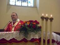 L'arcivescovo Valentinetti pronuncia l'omelia della Santa Messa