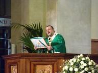 Monsignor Valentinetti, durante l'omelia