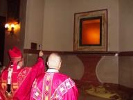 L'arcivescovo Valentinetti benedice e inaugura la nicchia che ospiterà il busto argenteo di San Cetteo