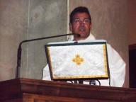 don Gianni Cilli, diacono permanente, pronuncia l'omelia