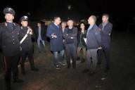 Il sopralluogo di don Ciotti al Parco dell'Infanzia di via Tavo a Pescara, accompagnato dal sindaco Alessandrini