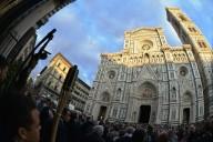 L'ingresso dei delegati nella Cattedrale di Santa Maria del fiore, sede del Convegno di Firenze