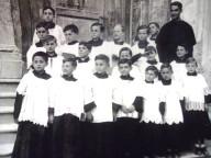 Mons. D'Addario, da ragazzo, in prima fila è il secondo da sinistra
