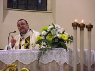 L'arcivescovo Valentinetti pronuncia l'omelia