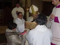 Carla riceve il libro della liturgia delle Ore