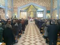 La Santa messa nella parrocchia di San Gabriele dell'Addolorata
