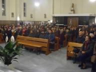 I fedeli presenti nella chiesa di San Luigi Gonzaga