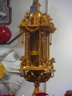 La reliquia del piede di San Camillo de Lellis, esposta nella parrocchia di San Luigi Gonzaga