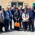 Il gruppo dei volontari con il direttore del carcere Franco Pettinelli