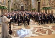 La Sala regia in Vaticano gremita durante il discorso di Papa Francesco