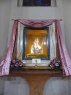 Il busto argenteo di San Cetteo esposto nella nicchia in Cattedrale