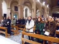 I fedeli presenti nel Santuario della Divina Misericordia di Pescara