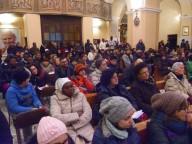 I partecipanti alla marcia nella chiesa di San Pietro
