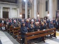I fedeli presenti nella Cattedrale di San Cetteo