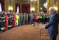 Il presidente Mattarella parla ai soccorritori operativi a Rigopiano