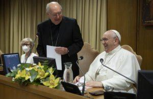 """Laici: """"Un chiaro segno di vitalità della Chiesa, speranza per il futuro"""""""